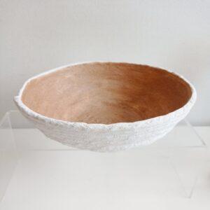 Coupe décorative en béton blanc