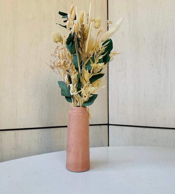 Vase design en béton couleur Terracotta