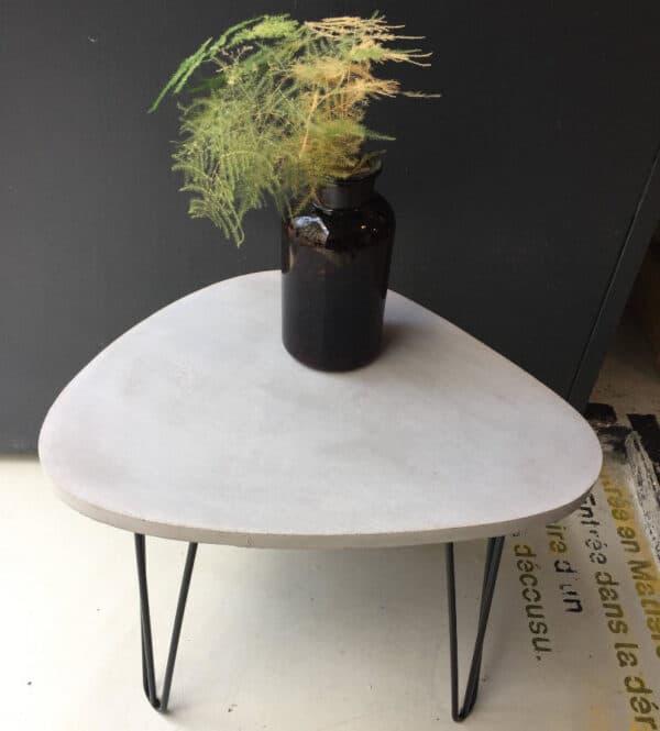 Table console design en béton, réalisée à la main dans l'atelier parisien BlackBeton