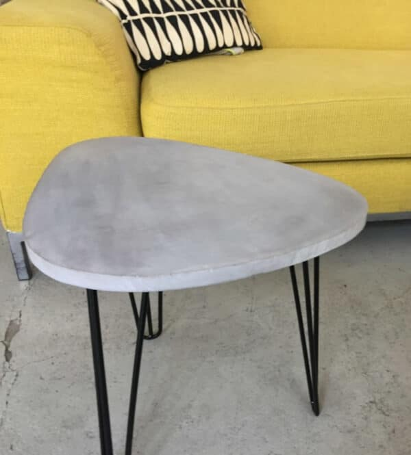 Table console de salon en béton