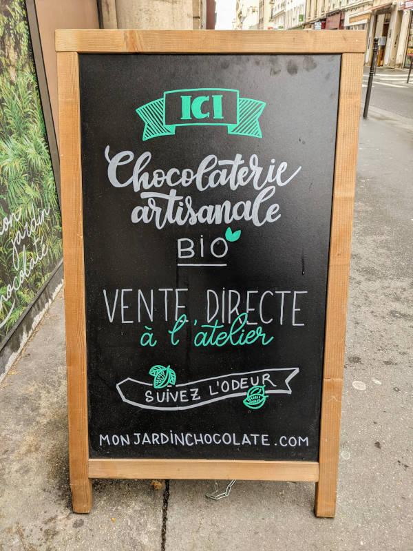 Panneau devant l'atelier de la chocolaterie